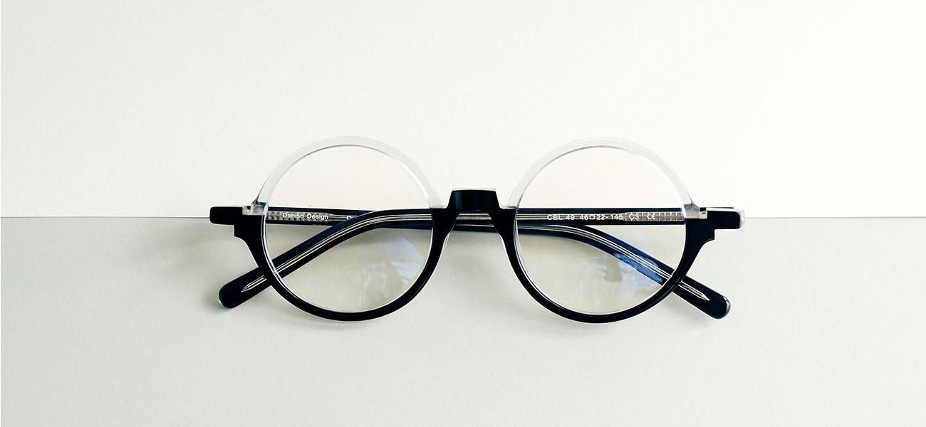 sort og transparente brillestel i rund fra limited