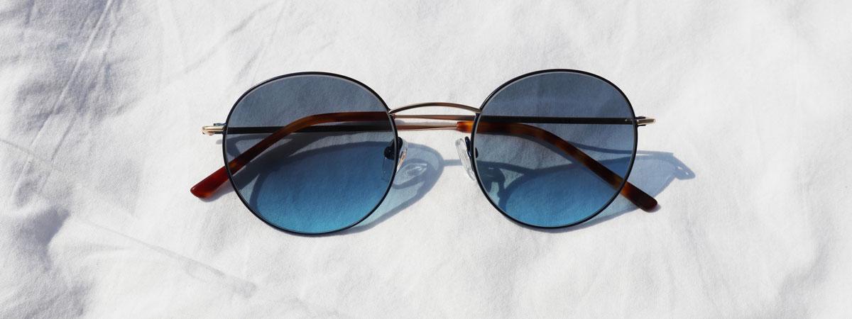 crosseyes københavn valby frederiksberg optiker deltid fuldtid brille blå solbrille hvid sommer